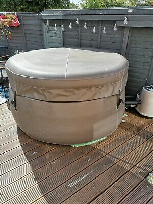 £400 • Buy Canadian Spa Grand Rapids V2 4 Persons Portable Spa + Extras