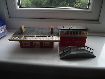 £4 • Buy Triang R473 Station Ticket Office, Signals Box,steps