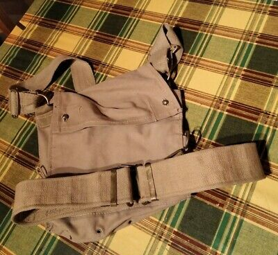 £7.95 • Buy Ww2 Gas Mask Bag And Post War Army Belt. Used Condition.