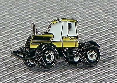 Yellow Tractor Pin Badge • 2.45£