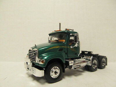 $39 • Buy 1st Gear 1/64 Scale Mack Granite  Day Cab  Metallic Green  (same Scale As Dcp)