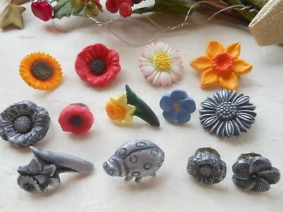 1x Flower Lapel Pin Badge Or Brooch - Pewter Metal Effect Or Colour *HANDMADE* • 4.35£