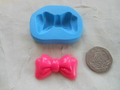 Sugarcraft/Fimo MOULD: Deep Minnie Mouse Style Hair Bow 20x35mm (Chocolate Wax) • 4.25£