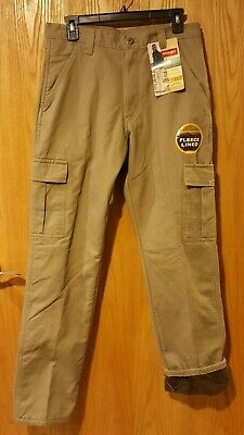 cd05a382 NWT Men's Wrangler Fleece Lined Cargo Pants Size 30/32 -377 • 20.74$