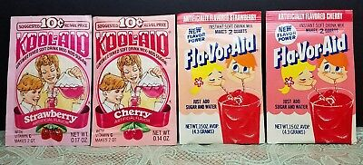 4 NOS NEAT VINTAGE  KOOL AID PACKETS Flavor Aid DRINK MIX Strawberry + Cherry • 15.39£