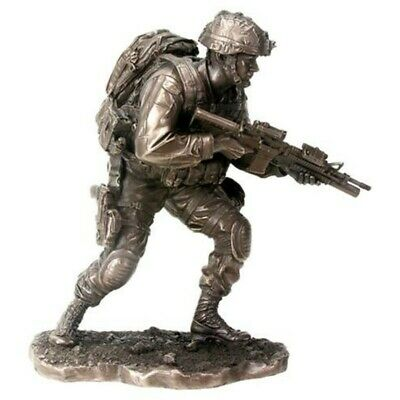 9.5  Soldier On The Move Statue Military Armed Forces Infantry Figure War Army  • 52.70£