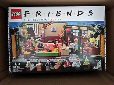 $99.99 • Buy LEGO FRIENDS Central Perk Cafe Ideas Set 21319 Television Series TV In Hand