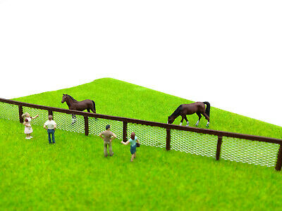 Model Wire Mesh Fence - 1 Metre Fence With Posts OO/HO - NEW • 12.99£