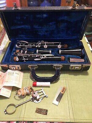 $78.88 • Buy Selmer Bundy Resonite Clarinet W/Case Selling As Is. Estate Clean Awesome