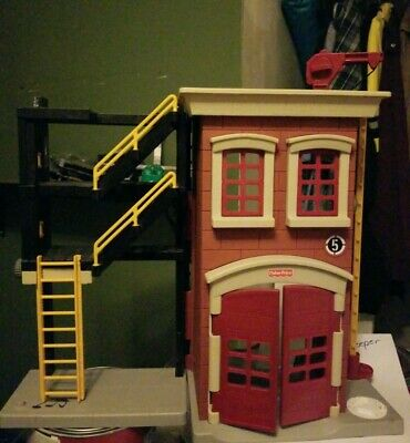 Fisher Price Imaginext Firehouse Fire Station Red Building 2007 • 10.85£