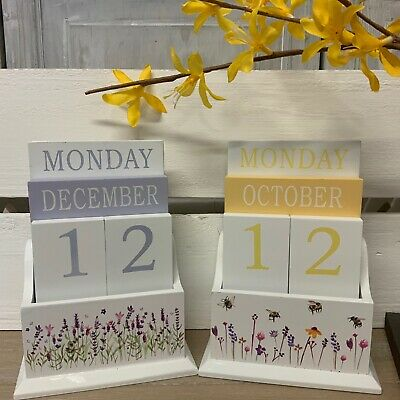 £12.99 • Buy Wooden Perpetual Calendar Ladies Pretty Bumble Bee Lavender Desk Gift Mother's