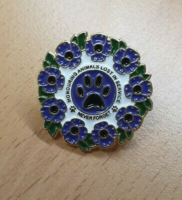 Animal Poppy Badge • 5£