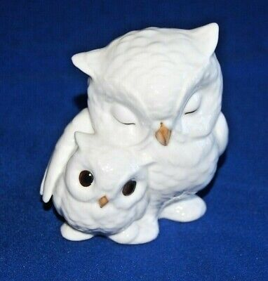 Royal Osborne Bone China Mother & Baby Owls Figurine. • 9.99£