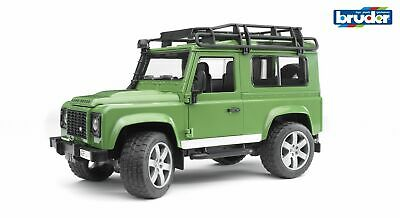 Land Rover Defender Station Wagon - Bruder 02590 Scale 1:16 Jeep Toy NEW • 33.50£