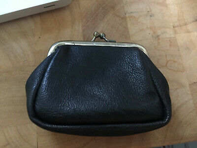 $14 • Buy VINTAGE KissLock  Coin Purse Black Gold Kiss Clasp  HoBo 4 By 3 Inches