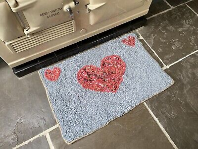 Handmade HOOKED RUG, Clippy Mat, Small Rag Rug. Christmas Gift, Unique. Recycled • 95£