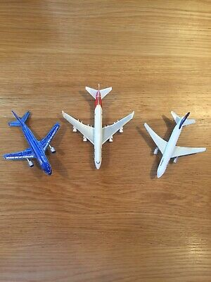 Qantas, Lufthansa, Matchbox Diecast Toy/desktop Planes Set Of 3 • 5£
