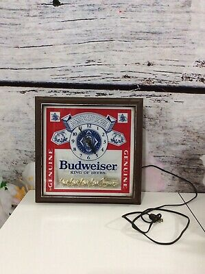 $ CDN106.66 • Buy Budweiser Deluxe Label Lighted Wall Sign Clock Plug In Chain Gold Clydesdales
