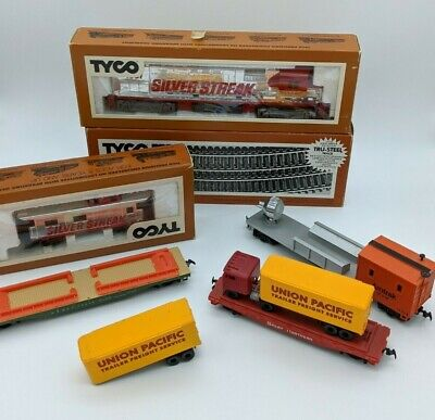 $ CDN49.99 • Buy Lot Of Tyco HO Model Train Silver Streak Union Pacific 903-2 Container Loader