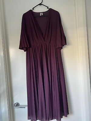 AU20 • Buy Asos Ladies Maternoty Dress Size 18