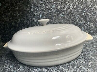 LE Creuset Oval Stoneware Casserole Dish With Lid -30cm ( Light Grey ) • 64£