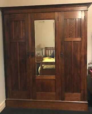 AU600 • Buy Antique Solid Oak Wardrobe/ Cupboard With Shelves