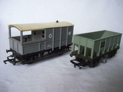TRIANG RAILWAYS 2x WAGONS -OPEN HOPPER & GWR GUARDS BRAKE VAN TRUCKS OO GAUGE 00 • 11.99£