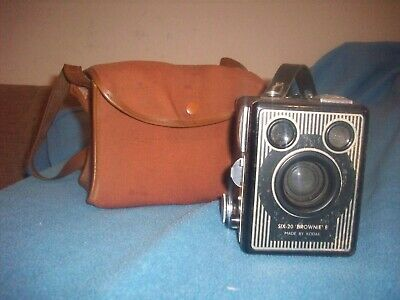 Brownie Six-20 E Camera (very Old) • 0.99£