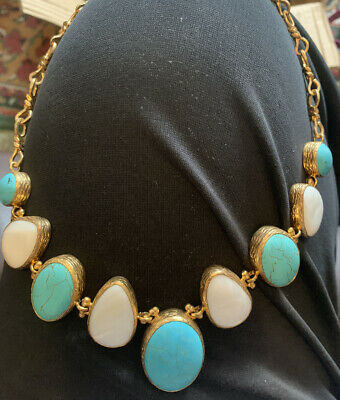 Statement Necklace Turquoise, Pearlised Gold Tone Costume Jewellery. Unsigned. • 5£