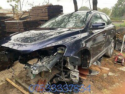 VOLVO Xc 60 SE LUX NAV D5 ALL PARTS BREAKING 2016 Diesel Automatic • 5£