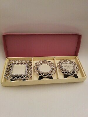 Past Times Set Of Three Paisley Pearl Frames (A15)  • 21£