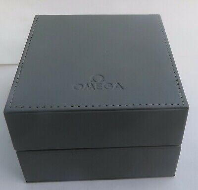 GENTS VINTAGE OMEGA SPEEDMASTER WATCH BOX AND DOCUMENTS  C.1994 • 59£