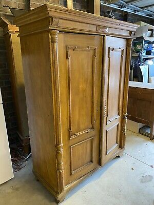 AU590 • Buy Antique Vintage Rustic French Farmhouse Armoire Woodgrain Hand Painted Wardrobe