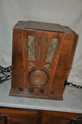 $ CDN253.74 • Buy  Silvertone  Tombstone Or Cathedral Radio –  FOR PARTS OR RESTORATION ONLY