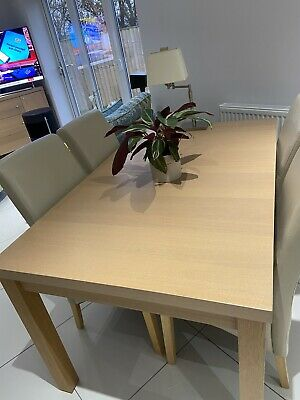 Marks And Spencer Extendable Dining Table (Oak Look) • 60£