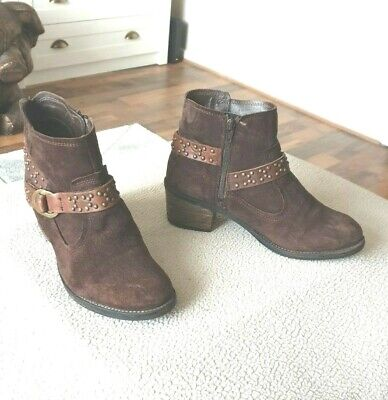 Pavers Brown Suede Ankle Boots Size 7 • 3£