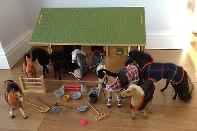 BRUSHWOOD TOYS EQUESTRIAN CENTRE 1:12 SCALE BT1000 With Additional Accessories • 75£