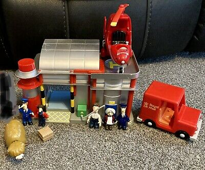 Postman Pat, Ted, Ben, Mrs Goggins, Daisy, Figures, Sorting Office & Helicopter, • 6£