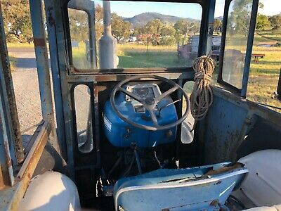 AU5000 • Buy Ford 3000 Tractor, Good Condition, Comes With Slasher And Carryall.
