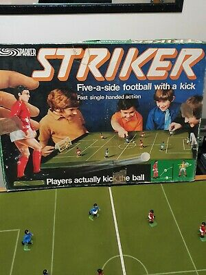 Vintage Striker Football Game Parker 1970s • 20£