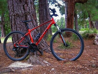 AU400 • Buy Giant ATX Mountain Bike Red 2018 Small Frame (purchased New Jan 2020)