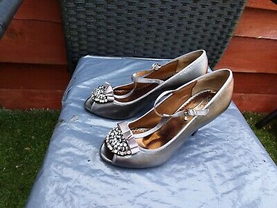 Worn Once Ladies Pewter Leather Peeptoe Shoes By Poetic License Size 5.5 • 7.99£