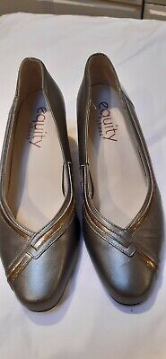 Beautiful Bronze /Pewter Leather Equity Shoes Size 7 With Low Heels  • 10£