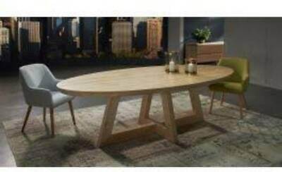 AU1200 • Buy Solid Oak 8 Seater Dining Table Display Stock Ex Nick Scali RRP $3000