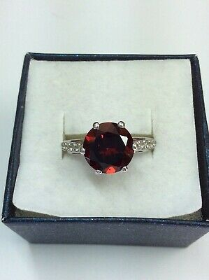 4.18ct Rajasthan Garnet & White Topaz Silver Ring With Certification. • 65£