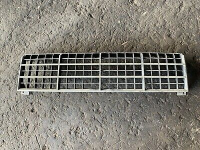 AU30 • Buy Zj Zk Ford Fairlane Grille