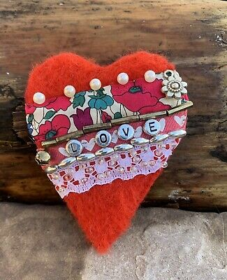 Hand Made - Needle Felted  Valentine Heart Brooch - 9cm Approx  Free UK P&P • 10£