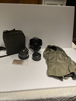 $250 • Buy Vintage US Military Chemical Gas Mask Small M40 / M42 Series W/Extras
