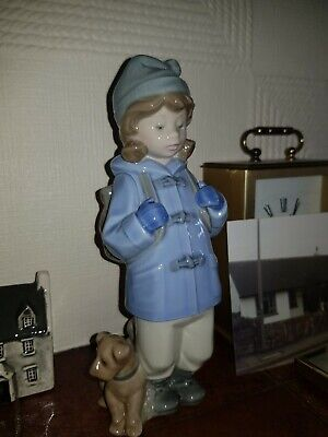 LLADRO NAO - Girl In Blue Duffle Coat And Backpack With Dog - 1987 - 19 Cm High • 13£
