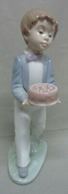 Lladro - Nao -  Special Day - #1131 - Boy With A Birthday Cake - Perfect • 29.99£